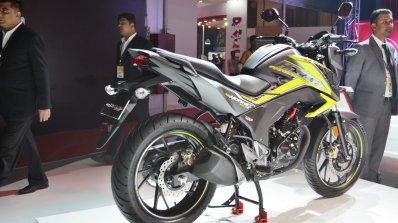 2018 Honda CB Hornet 160R rear right quarter at 2018 Auto Expo