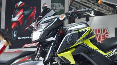 2018 Honda CB Hornet 160R tank extensions at 2018 Auto Expo