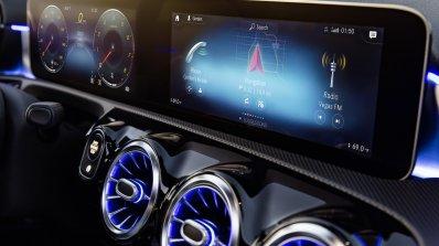 2018 Mercedes A-Class MBUX displays