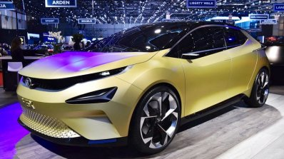 Tata 45X concept front three quarters left side at 2018 Geneva Motor Show