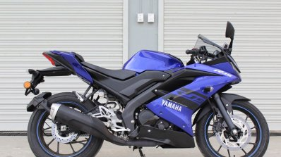 Yamaha YZF-R15 v3.0 track ride review right side