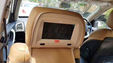 2018 Mahindra XUV500 rear seat screen