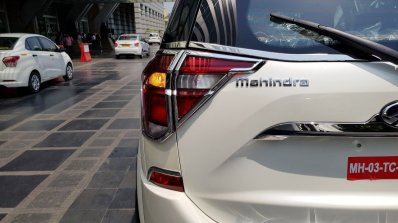 2018 Mahindra XUV500 tail light chrome garnish