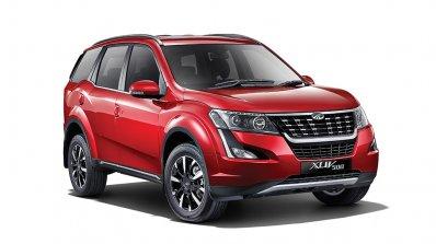 2018 Mahindra XUV500 front three quarters