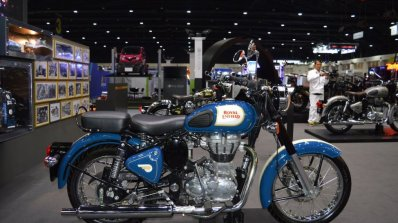 Royal Enfield Classic 500 Lagoon Right Side At 201