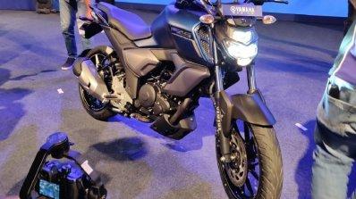 Yamaha Fz S Fi V3 0 Front Right Quarter 3b12