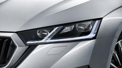 2020 Skoda Octavia Lights 2