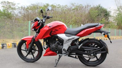 2018 Tvs Apache Rtr 160 4v First Ride Review Left