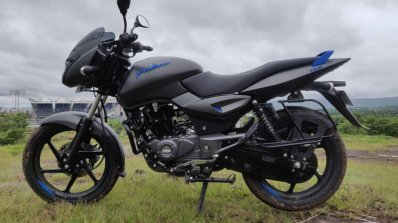 Bajaj Pulsar 125 Detail Shots Left Side E061