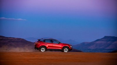 2020 Tata Harrier Review Images Action Side Profil