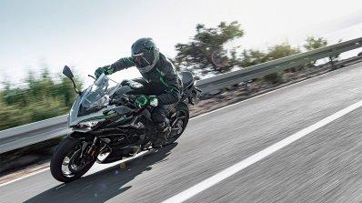 Kawasaki Ninja 1000sx Action