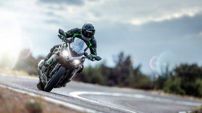 Kawasaki Ninja 1000sx Action Shot