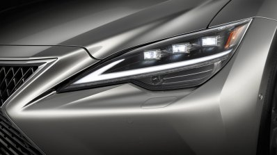 Lexus Ls Updated With Upgraded Styling And New Tec