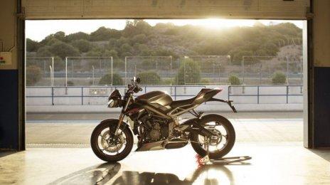 2020 Triumph Street Triple RS- इमेज गैलरी