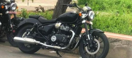 Two 650cc Royal Enfield Cruiser prototypes spotted testing