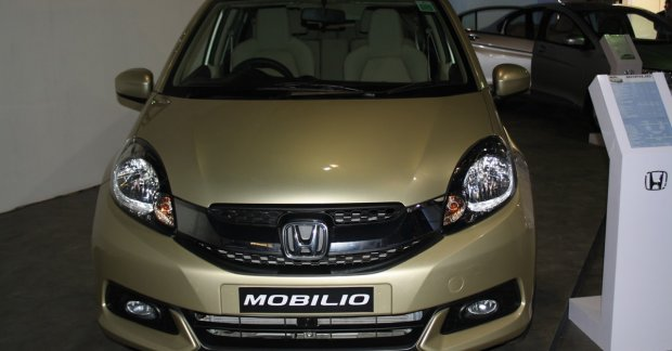 Honda Mobilio Mobilio Rs Launched At 2014 Nepal Auto Show