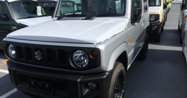 new suzuki jimny dealer dispatches commence ahead of launch in july. Black Bedroom Furniture Sets. Home Design Ideas