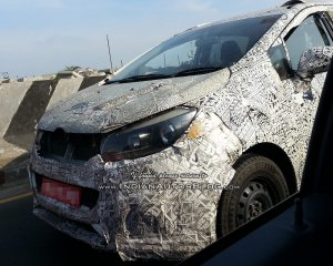 Upcoming Cars in India Mahindra U321 MPV (Toyota Innova rival)