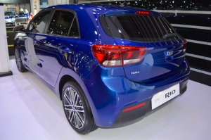 2017 Kia Rio rear three quarters at 2017 Dubai Motor Show