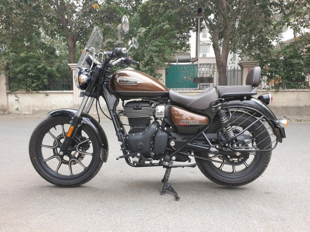 Royal Enfield Meteor First Ride Review Side Profile