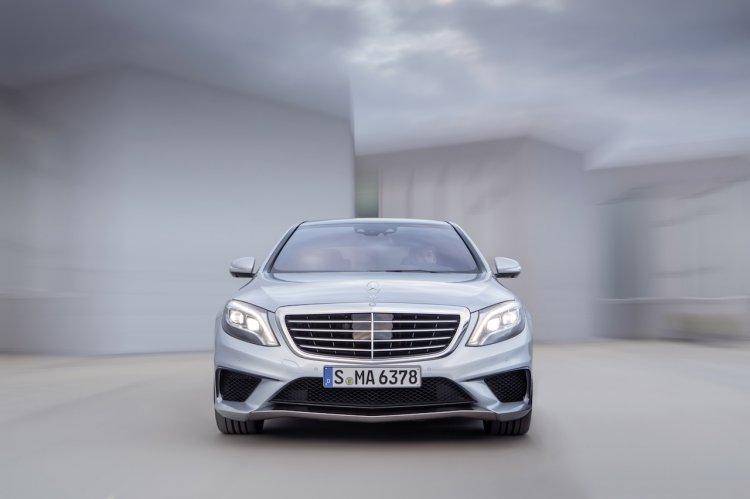 2014-Mercedes-Benz-S63-AMG-front