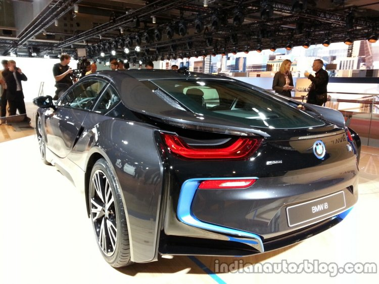BMW i8 rear left