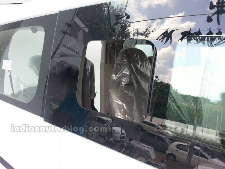 Nissan Evalia facelift rear sliding window