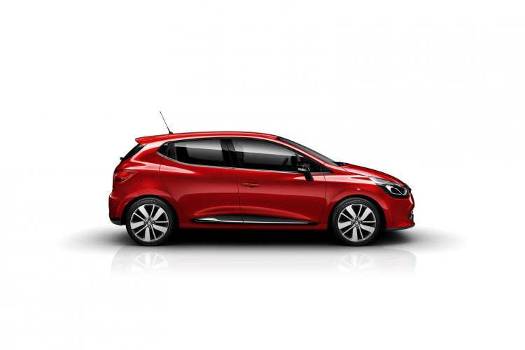 Renault Clio side view press image