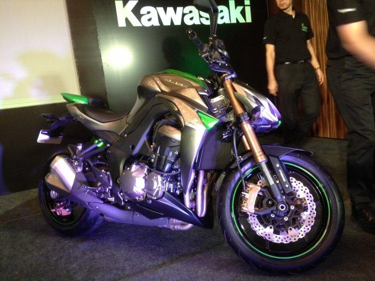 2014 Kawasaki Z1000 India live