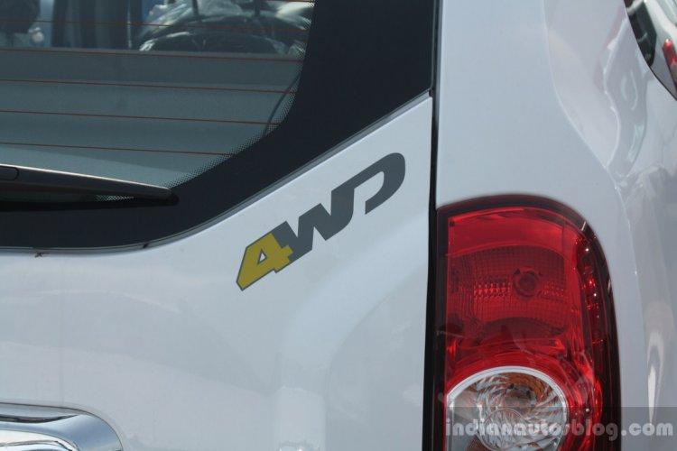 4WD badge on the Renault or Dacia Duster