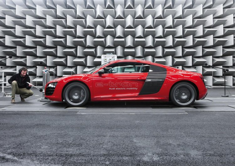 Audi R8 e-tron sound test