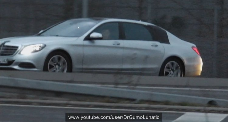 Spied 2014 Mercedes-Benz S Class XL side
