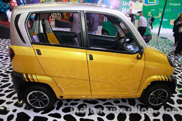 Bajaj RE60 Auto Expo 2014 side