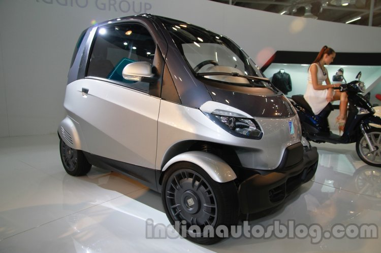 Piaggio NT3 at Auto Expo Concept front three quarters