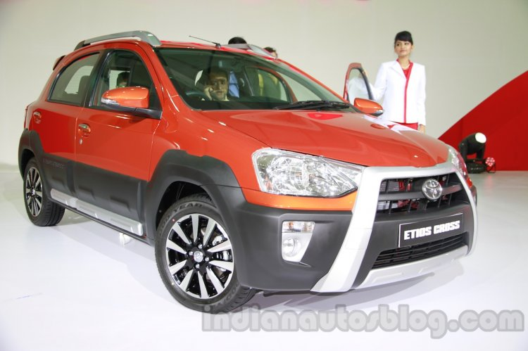 Toyota Etios Cross front three quarters right at Auto Expo 2014