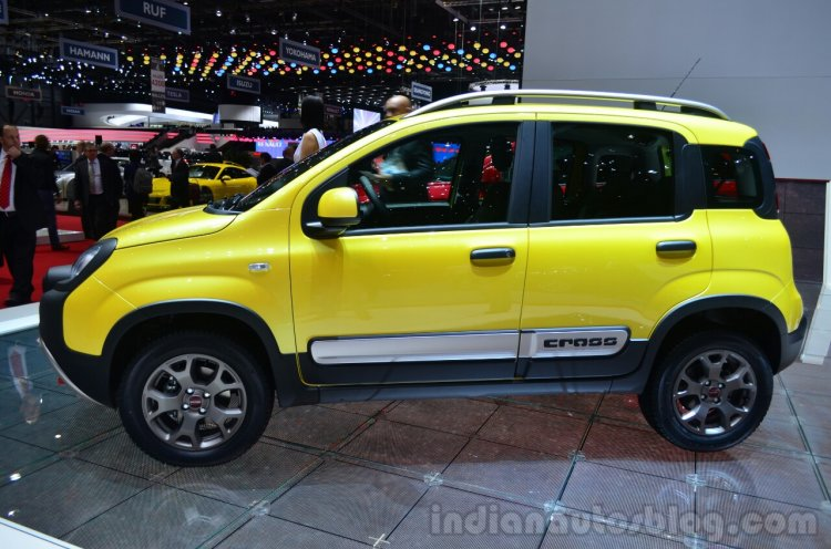 Fiat Panda Cross side profile - Geneva Live