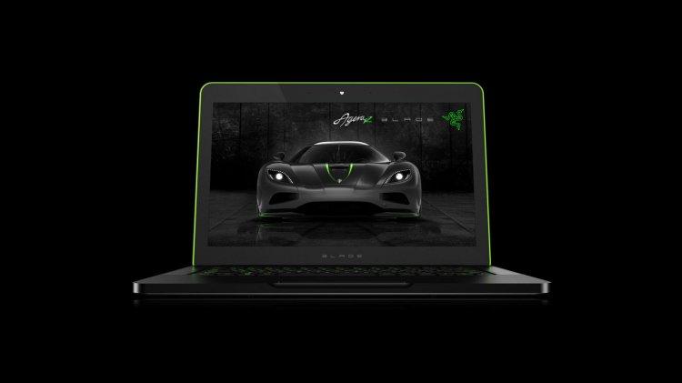 Koenigsegg and Razer Blade Laptop open