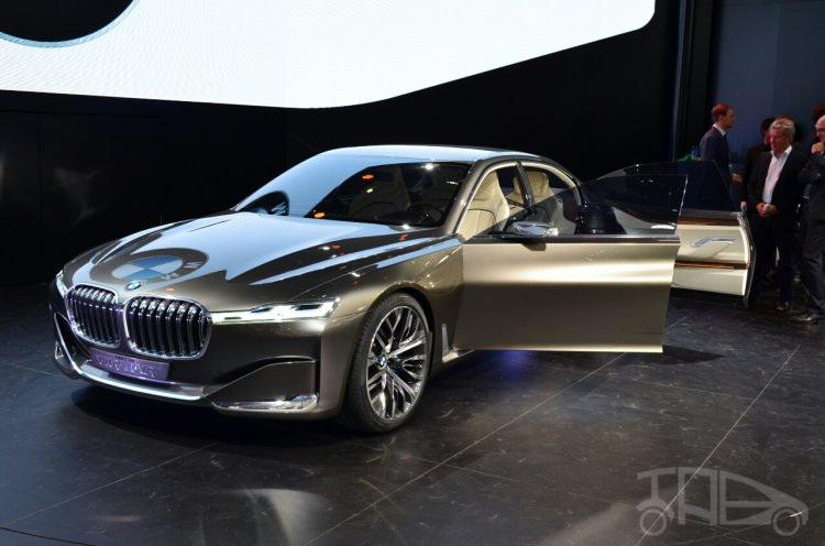 BMW Vision Future Luxury Concept front three quarters at Auto China 2014