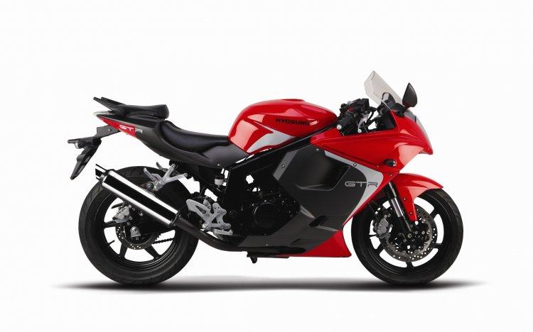 New Hyosung GT250R Red press shot