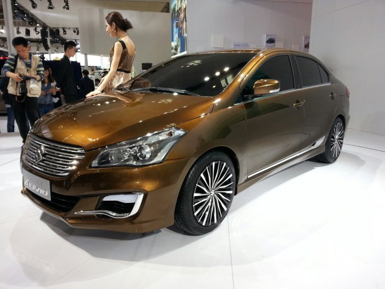 Suzuki Alivio front three quarters at Auto China 2014