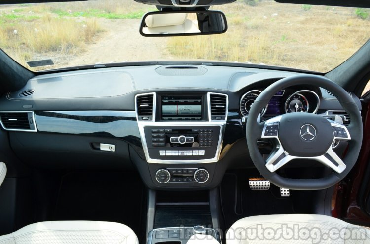Mercedes-Benz ML 63 AMG Review interior