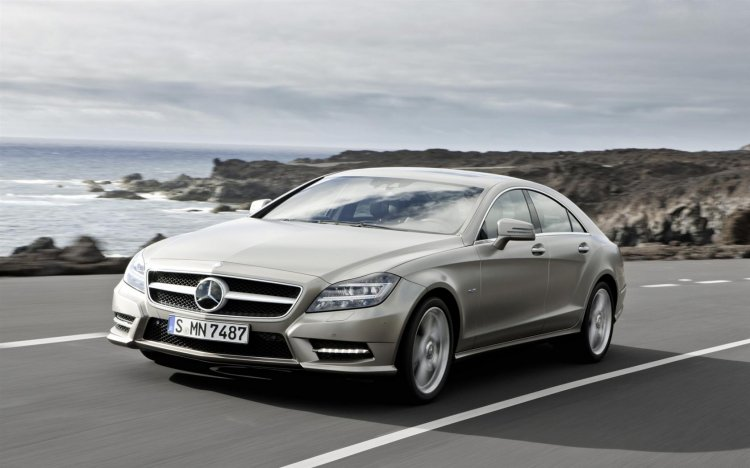 2012 mercedes benz CLS press shot front