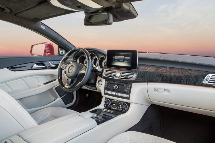 2015 Mercedes CLS Class dashboard official image