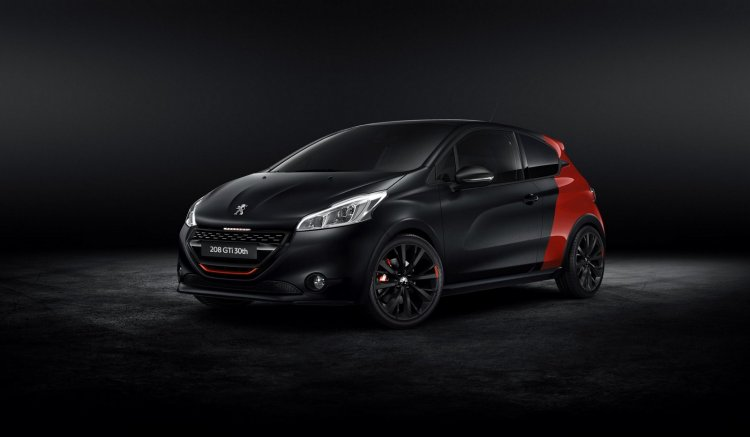 Peugeot 208 GTi 30th anniversary edition front three quarters