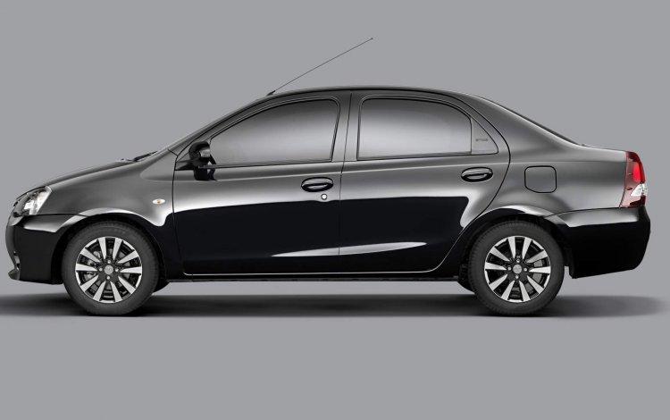 Toyota Etios Platinum press shot sedan side