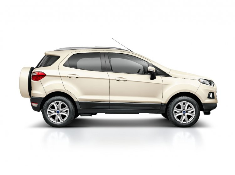 2015 Ford Ecosport press shot vanilla white