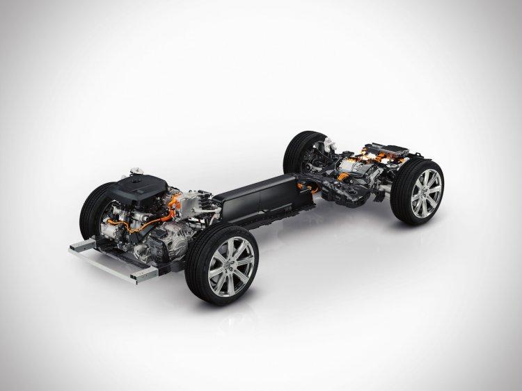 2015 Volvo XC90 press shots chassis