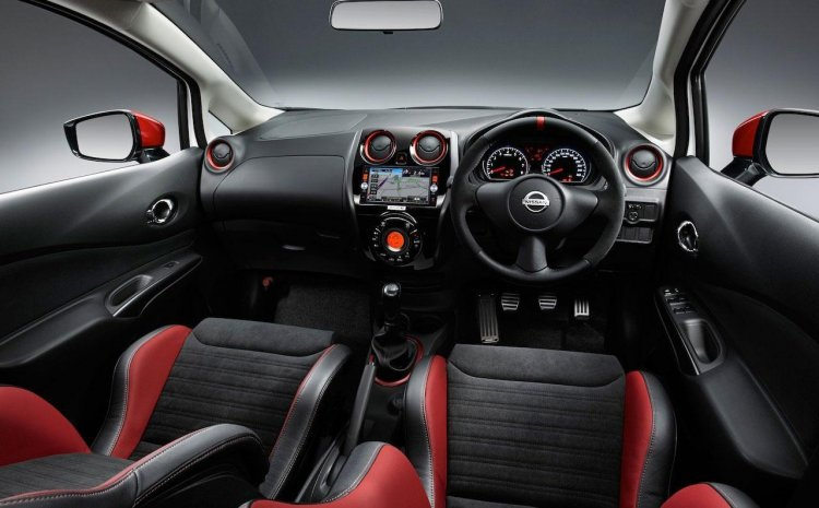 Nissan Note NISMO dashboard press image