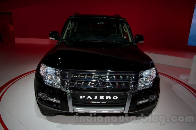 2015 Mitsubishi Pajero Facelift at the 2014 Moscow Motor Show front