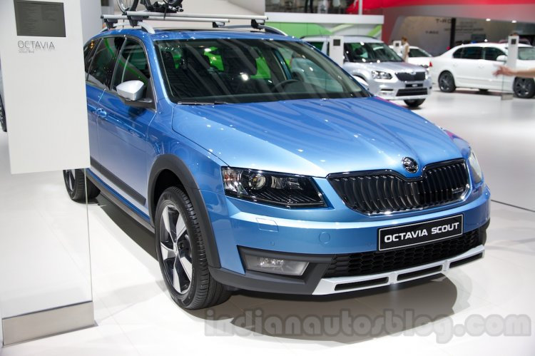 2015 Skoda Octavia Scout front three quarter at the 2014 Moscow Motor Show